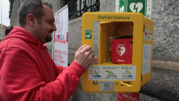 """""""La scossa che salva la vita"""", dona 3 euro per l'acquisto di due defribillatori per la scuola"""